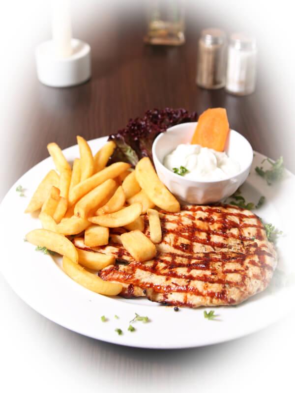 Restaurant Delphi Neuenhagen Hühnerbrust Speisen
